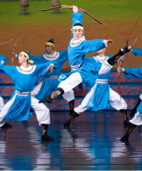 Юнчиа Чэнь на выступлениях труппы Shen Yun